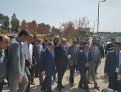 صور.. وزير التنمية المحلية ومحافظ القاهرة يتفقدان غرفة مراقبة استاد السلام