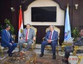 صور.. محافظ البحر الأحمر يستقبل وزير القوى العاملة بديوان عام المحافظة