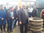 صور.. رئيس شركة المترو والعضو المنتدب يتفقدان ورش صيانة قطارات الخط الأول