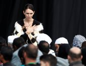 بتقف فى الطابور وبتدفع للمواطنين.. رئيسة وزراء نيوزيلندا تواصل إبهار شعبها