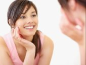 لبشرة شابة من غير تجاعيد.. 10 نصائح لتأخير ظهور علامات شيخوخة المبكرة