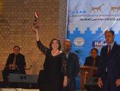شاهد.. لحظة تكريم إلهام شاهين فى مهرجان بابل للثقافة والفنون.. فيديو وصور