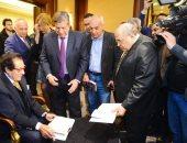 """فاروق حسنى فى حفل توقيع كتاب """"فاروق حسنى يتذكر"""""""