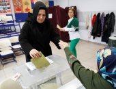 """على خطى الإرهابية.. أنصار أردوغان يوزعون """"الزيت والسكر"""" على الناخبين"""