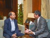 وزير التجارة يبحث مع سفير أوزبكستان تعزيز العلاقات التجارية والاقتصادية