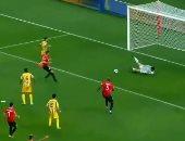 """فاشلين فى كل حاجة.. لاعب قطرى يقلد ميسى بتسديد ضربة جزاء.. حصل إيه؟ """"فيديو"""""""