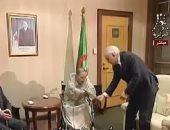 """استقالة بوتفليقه..لحظة تسليم """"بوتفليقة"""" استقالته للمجلس الدستورى..فيديو"""