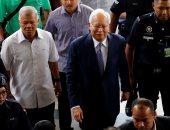 صور.. رئيس وزراء ماليزيا السابق يمثل أمام المحكمة فى قضية فساد