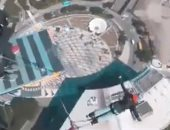 للتغلب على رهاب المرتفعات.. يوتيوبر يقفز من ناطحة سحاب صينية.. فيديو