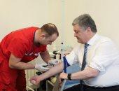 الممثل الكوميدى المرشح لرئاسة أوكرانيا يجبر منافسه على كشف المخدرات والكحول