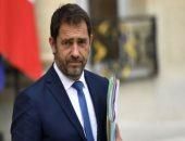 """وزير داخلية فرنسا يرفض التراجع فى قرار """"منع الخنق"""" خلال عمليات التوقيف"""