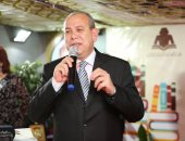 صور..محافظ كفرالشيخ و رئيس الهيئة العامة المصرية للكتاب يفتتاحان معرض المكتاب السادس