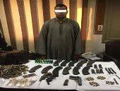 ضبط شخص بحوزته 3 قطع أسلحة نارية غير مرخصة فى أسيوط