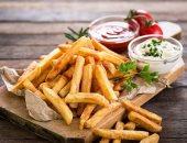 متأفورش فى أكل المطاعم.. 9 أضرار صحية تسببها الوجبات الجاهزة