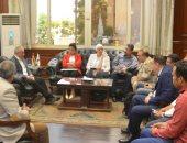 محافظة الأقصر يبحث تطوير كورنيش النيل وميدان أبو الحجاج ومحطة السكة الحديد