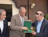 محافظ البحر الأحمر يلتقى رئيس اتحاد الرياضة للشركات فى الغردقة