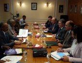 وزير قطاع الأعمال يعقد مباحثات مع وزير الاقتصاد التشادى حول فرص التعاون المشترك