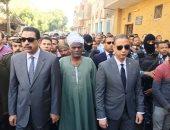 صور.. محافظ سوهاج يتقدم الجنازة العسكرية للشهيد كرم محمد بالمراغة