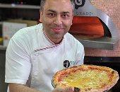 شيف أسترالى يدخل جينيس بوضعه 154 نوعا مختلفا من الجبن على البيتزا