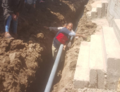 صور.. وزير الإسكان: بدء إحلال وتجديد شبكات المياه بـ19 قرية فى أسيوط