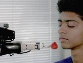 """صور.. روبوت جديد يساعد فى إطعام ذوى الاحتياجات الخاصة """"بالشوكة"""""""