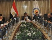 وزير التعليم العالى يجتمع برؤساء وأمناء لجان قطاع العلوم الأساسية بالأعلى للجامعات