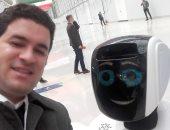فيديو.. بروموبوت إنسان آلى يلتقط الصور ويتحدث 4 لغات ويمكنه العمل بالبنوك