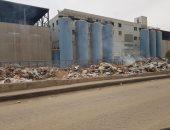قارئ يشكو من تراكم القمامة أعلى كوبرى محمد نجيب بالمرج الشرقية