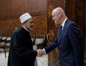 السفير الأسبانى بالقاهرة: الأزهر الشريف يحظى بمصداقية كبيرة فى إسبانيا