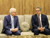 صور.. وزير الآثار يستقبل وزير الخارجية البولندى لبحث سبل التعاون