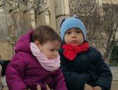 """قارئ يشارك """"اليوم السابع"""" بصورة لأبنائه من أمام كاتدرائية نوتردام بباريس"""