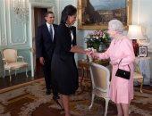 ميشيل أوباما تخرق بروتوكولا ملكيا من أجل الملكة إليزابيث.. تعرف عليه