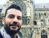 """عازف مصرى يوثق زيارته لكاتدرائية """"نوتردام"""" بمقطوعة موسيقية وصور سيلفى"""