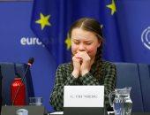 صور .. طفلة سويدية: انقذوا العالم مثلما تحاولون إنقاذ كاتدرائية نوتردام