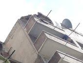 صور .. انهيار شرفة بعقار شرق الإسكندرية دون إصابات