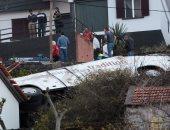 صور.. مصرع 28 شخصا فى حادث حافلة سياحية بجزيرة ماديرا البرتغالية
