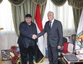"""محافظ جنوب سيناء يستعرض و أمين""""البحوث العربية"""" ترتيبات عاصفة الفكر العربي"""