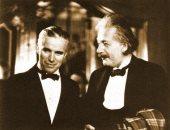 ذكرى ميلاد شارلى شابلن.. قصة صورة جمعته مع صديقه آينشتاين منذ 90 عاما