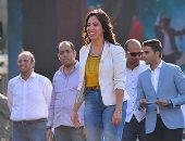 """فيديو وصور.. عضو تنسيقية شباب الأحزاب لطلاب """"عين شمس"""": انزلوا وشاركوا فى الإستفتاء"""