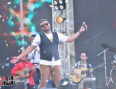 صور ..الفنان رامى صبرى يتألق فى حفل جامعة عين شمس بحضور آلاف الطلاب