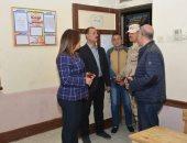 محافظ دمياط تتابع تجهيز المقار الإنتخابية استعداداً للإستفتاء على التعديلات