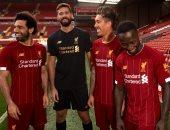 نادي ليفربول يكشف قميصه الجديد بمشاركة محمد صلاح.. صور