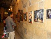 شاهد.. معرض لوحات فنية من إبداعات شباب الأزهر ببيت السنارى