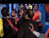 فيديو.. خناقة أحمد فتحى ومدير بيراميدز من البداية للنهاية