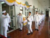 نقل المياه المقدسة إلى قصر تايلاند الكبير قبل تتويج الملك الجديد