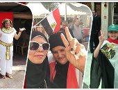 """""""الهجرة"""" ترصد توافد المصريين فى الخارج على مقار التصويت وتتلقى 111 استفسارا"""