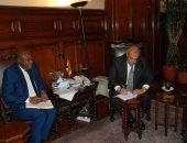 وزير الزراعة يستعرض مع مدير مركز الارز الأفريقى جهود مصر فى تحسين المحصول