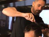 من ضابط شرطة لمصفف شعر.. أمير كرارة بياكل عيش .. فيديو وصور