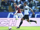 ميلان يمنح روما هدية بتعادل مخيب للآمال ضد بارما.. فيديو