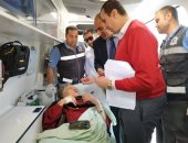 صورة.. الفدائية زينب الكفراوى تدلى بصوتها بالاستفتاء داخل سيارة إسعاف ببورسعيد
